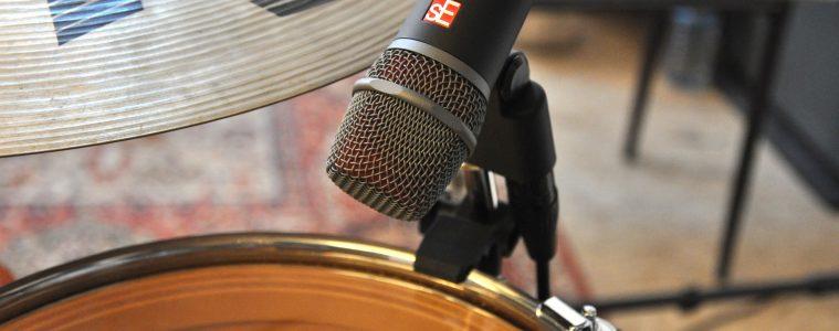 Freestay şi Fly Music au pus la treabă noile microfoane pentru tobe de la sE Electronics